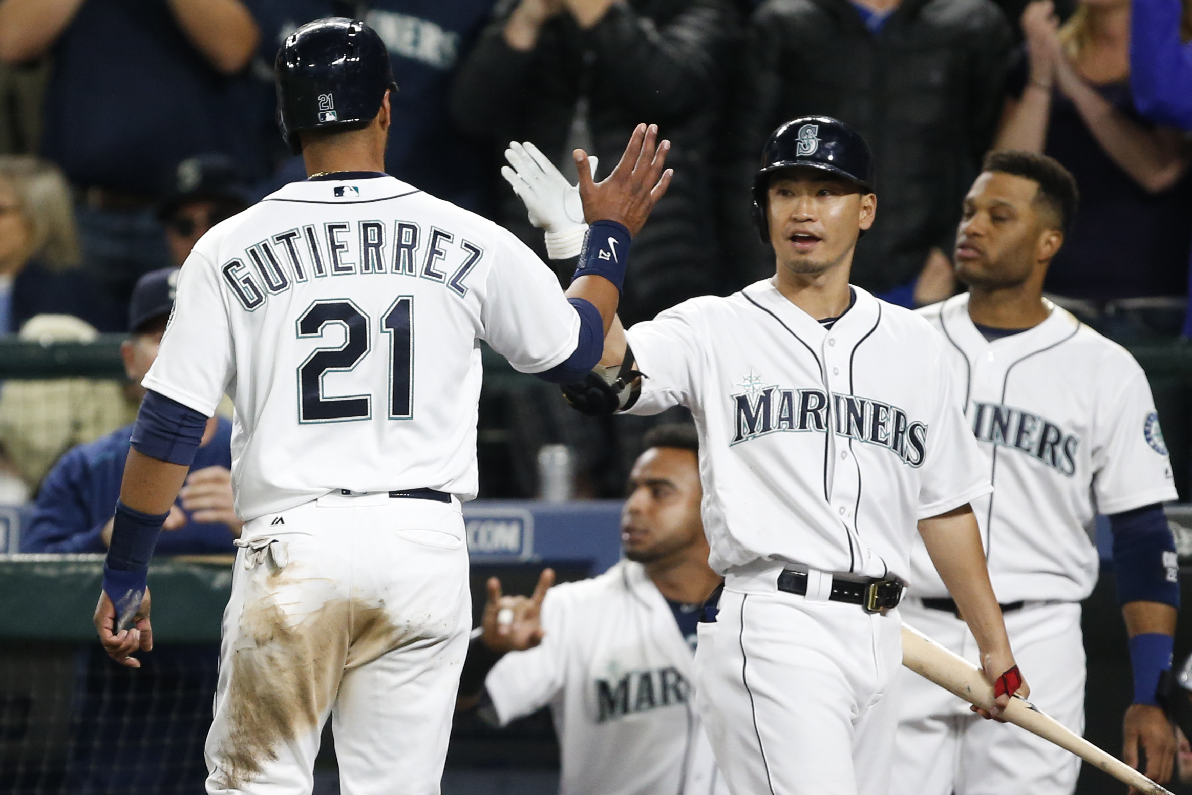 Mariners' buzz growing at gate, on TV