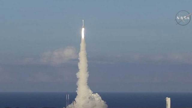 NASA spacecraft headed to asteroid to bring back samples ...