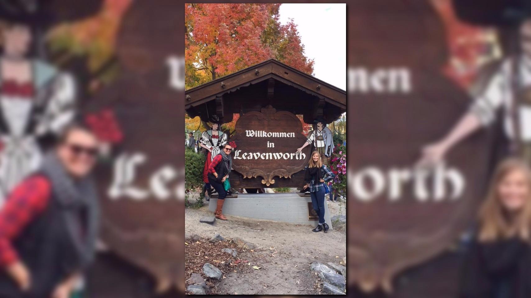 leavenworth oktoberfest shuttle
