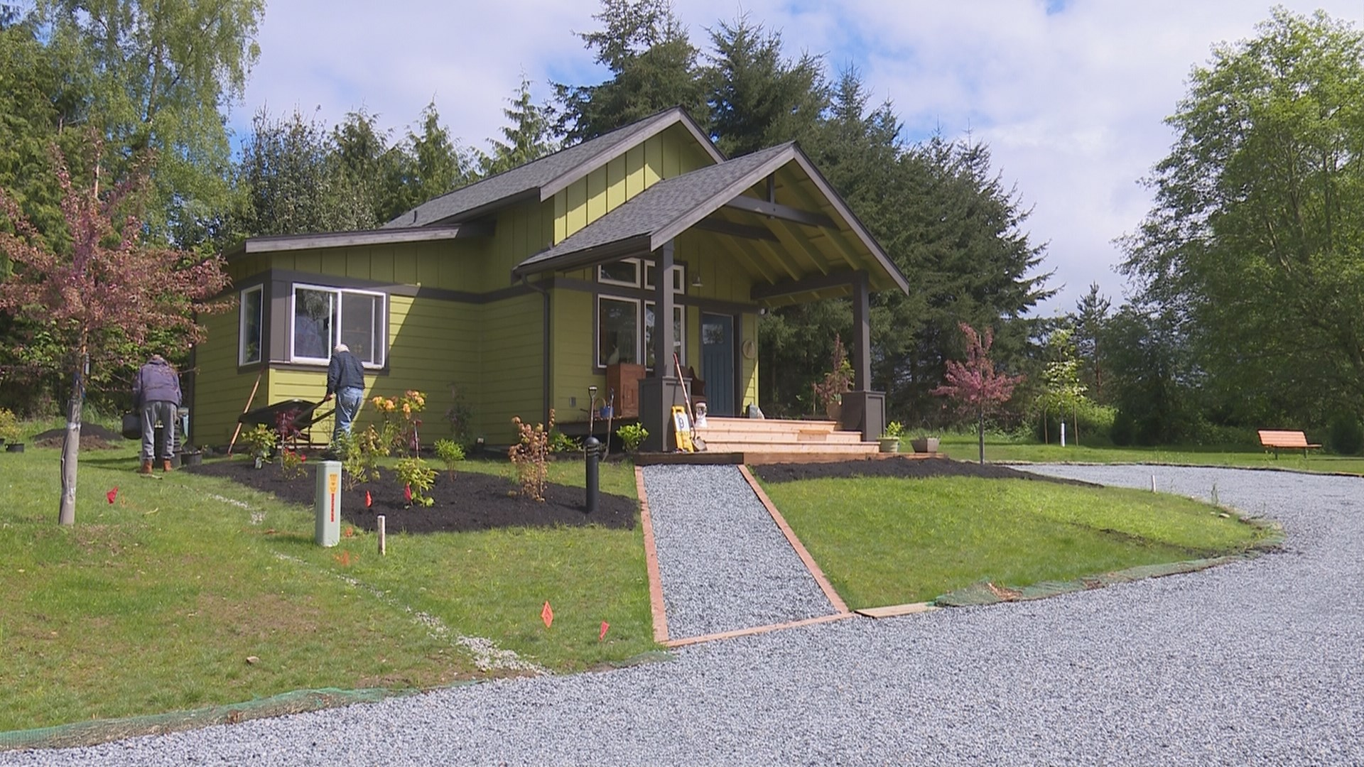 Affordable small home village opens on vashon island for Small affordable homes