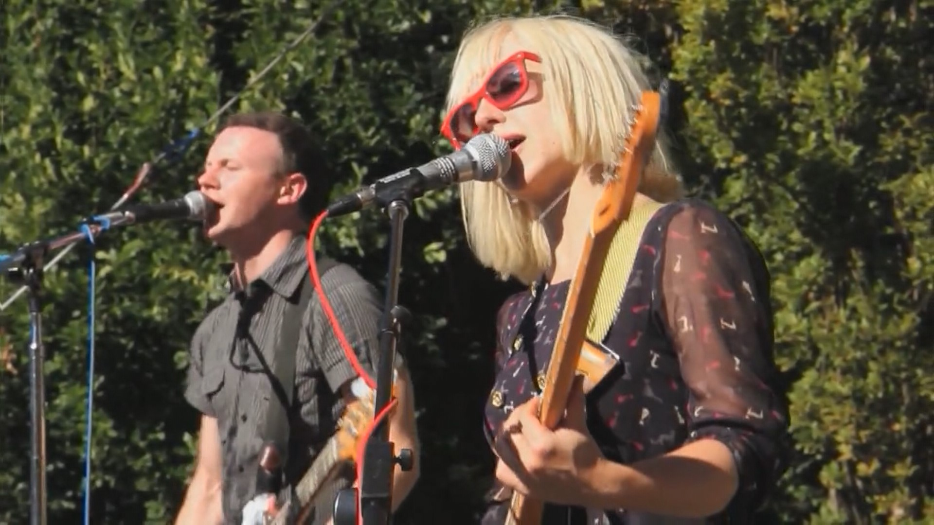 Jam out for free at kexp 39 s summer 39 concerts at for Concerts at the mural