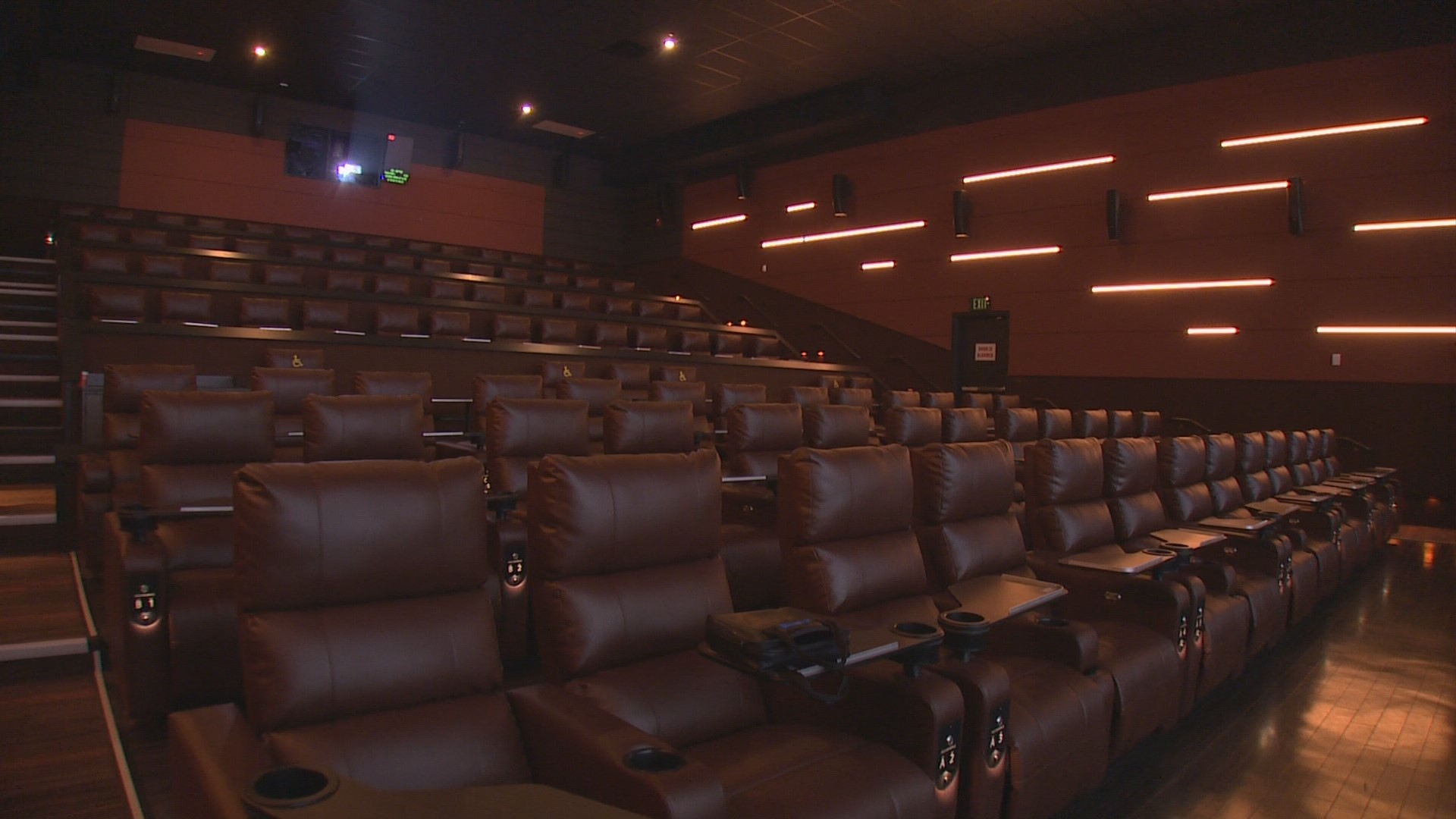 King5 Com New Movie Theatre Offers Luxury Experience