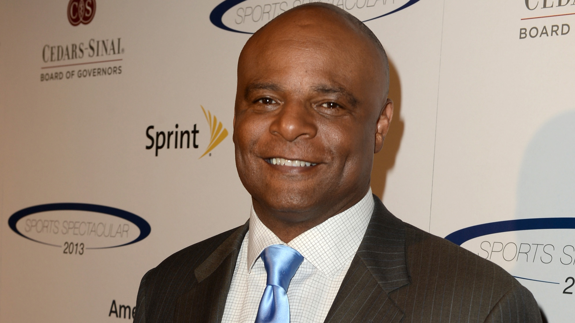 Warren Moon >> King5 Com Former Nfl Qb Warren Moon Denies Sexual Harassment